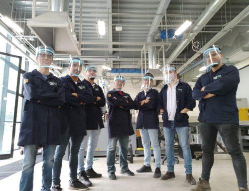 CUCEI con el apoyo del sector privado, contribuyen con la elaboración de caretas con soporte.